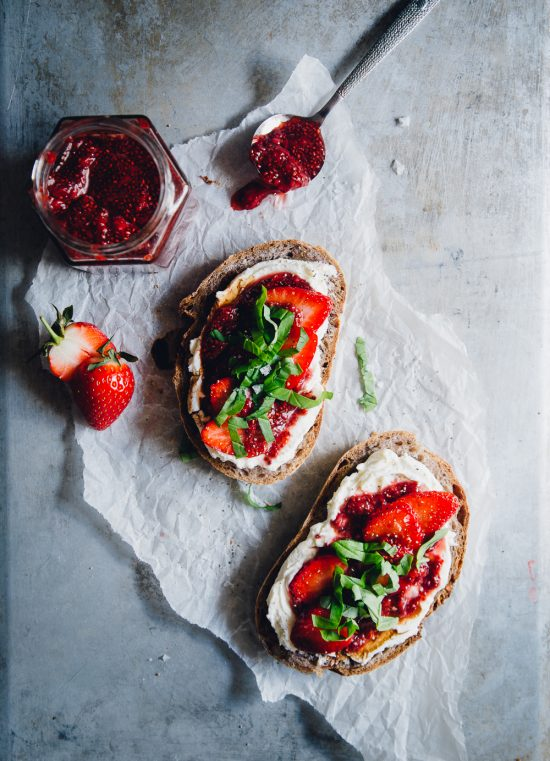 Healthy Work Lunches: Strawberry Chia Jam, Goats Cheese & Basil Sandwich from Cashew Kitchen | The Health Sessions