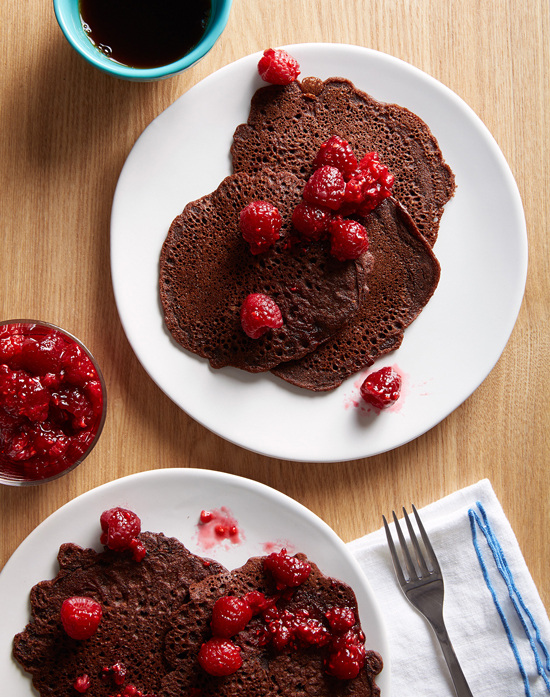 Healthy Pancakes: Gluten-Free Cocoa Pancakes with Raspberry Sauce from Oh Joy! | The Health Sessions