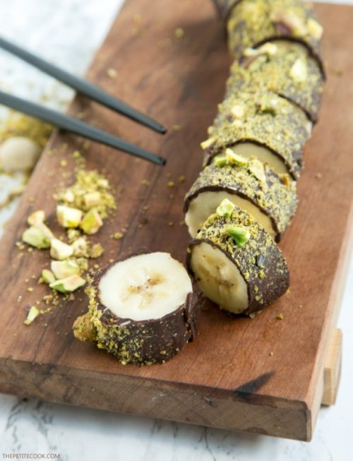Healthy Party Food: Pistachio Chocolate Banana Sushi from The Petite Cook | The Health Sessions