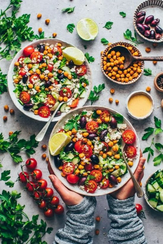 The Best of Beans: Mediterranean Chickpea Salad from Bianca Zapatka | The Health Sessions