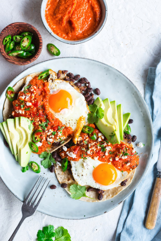 Healthy Brunch Recipes: Huevos Rancheros from The Hungry Cook | The Health Sessions
