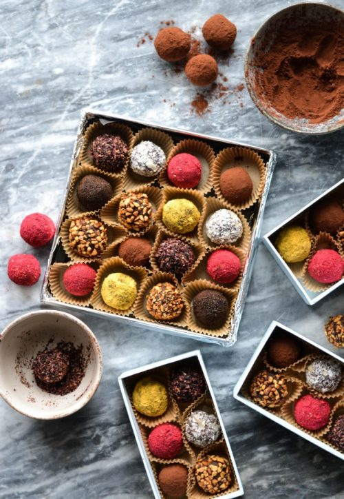 Edible Gifts for Healthy Food Lovers: Chocolate Date Truffles from A Tasty Love Story | The Health Sessions