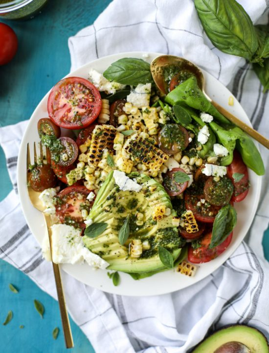 Smart Food Combinations: Grilled Corn Tomato Avocado Salad with Chimichurri from Howsweeteats.com | The Health Sessions