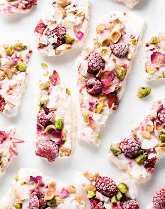 Healthy Frozen Yogurt: Frozen Yogurt Bark with Pistachios & Raspberries from Mind Food | The Health Sessions