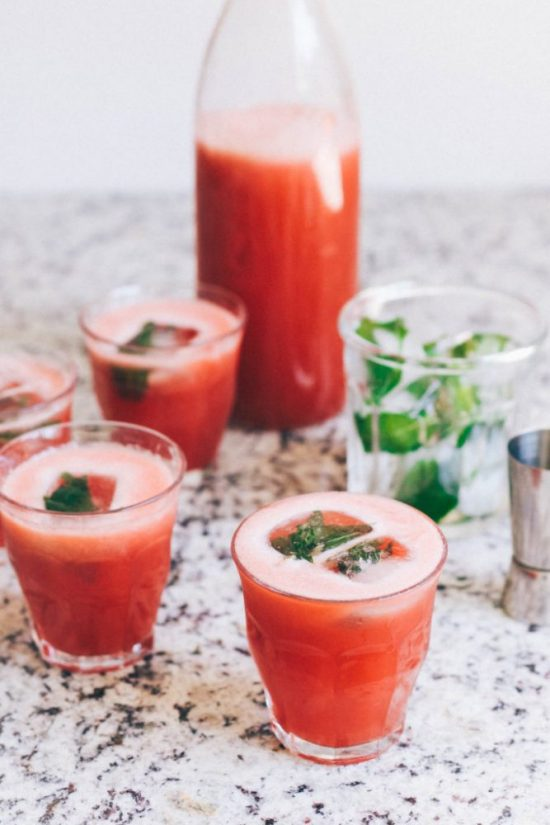 10 Healthy Homemade Iced Teas: Iced Watermelon Green Tea from Yummy Beet | The Health Sessions