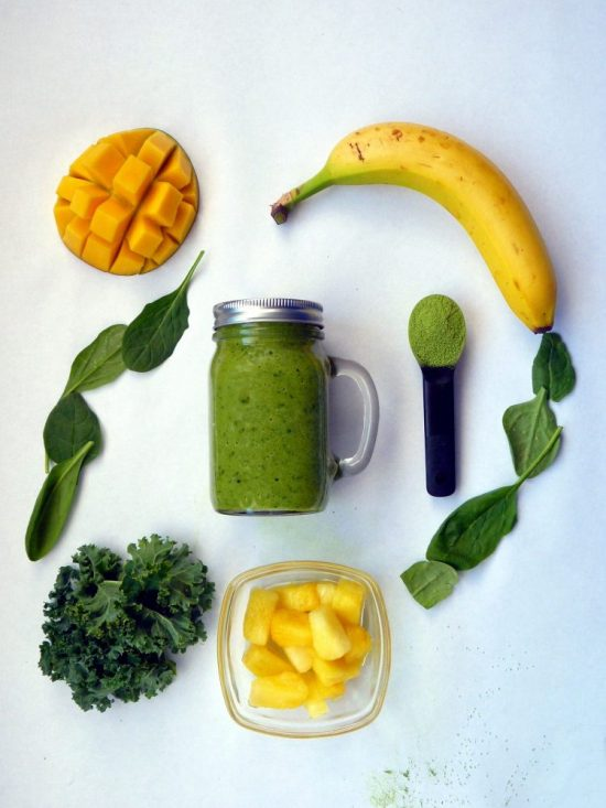Enjoy Spring Vegetables: Matcha Green Tea Smoothie from Living Fresh Daily | The Health Sessions