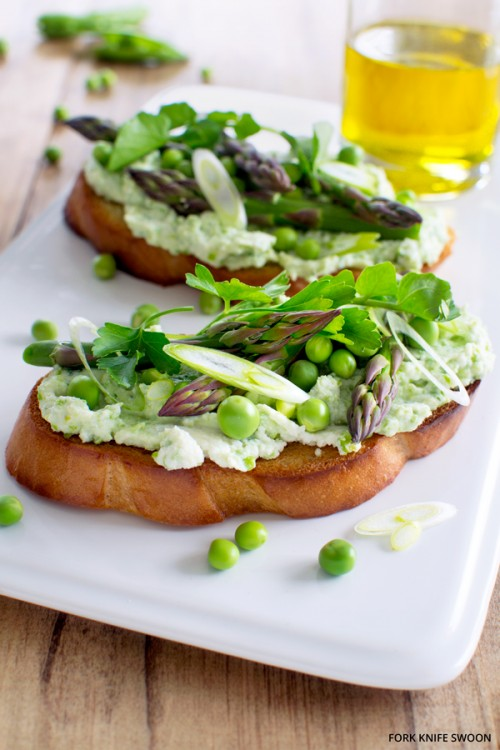 How to Enjoy More Spring Vegetables Every Day: Fresh Pea and Ricotta Tartine from Fork Knife Swoon | The Health Sessions