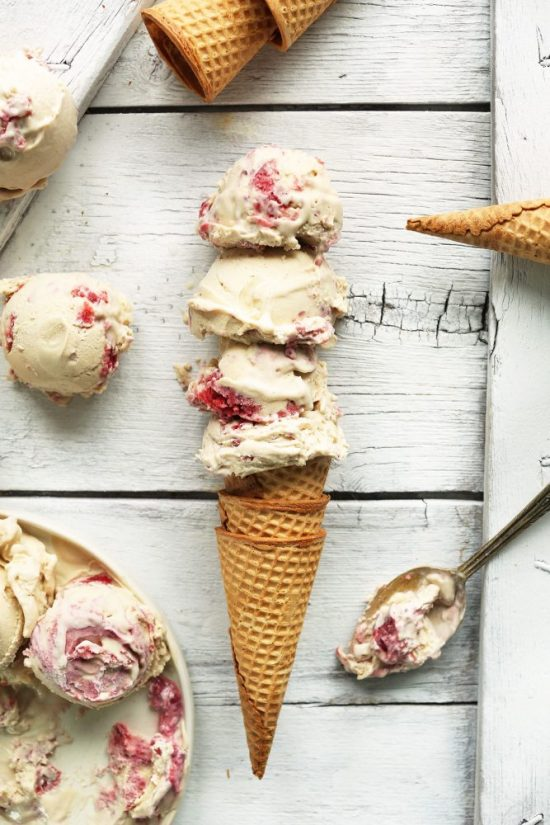 The Nicest Ice Cream: Raspberry Ripple Coconut Ice Cream from Minimalist Baker | The Health Sessions