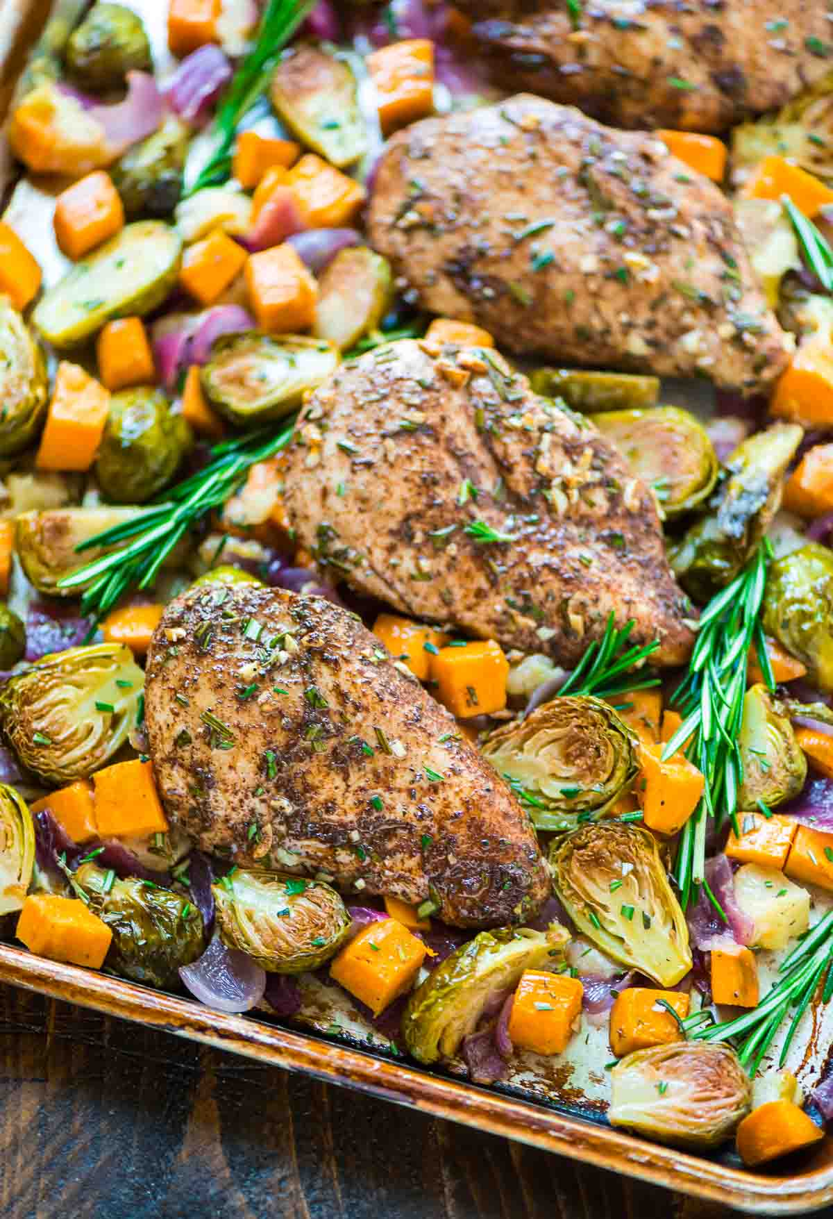 One Tray Meals: Sheet Pan Chicken with Sweet Potatoes, Brussels Sprouts & Bacon from Well Plated by Erin | The Health Sessions