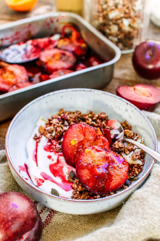 Healthy Stone Fruit Recipes: Roasted South African Plums from Healthy Twists | The Health Sessions