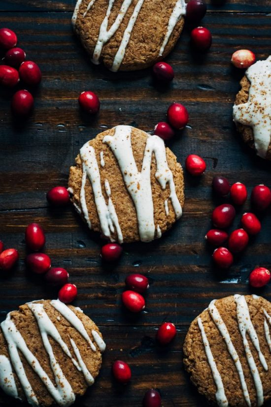 Healthy Holiday Desserts: Vegan Christmas Cookies with Vanilla Almond Cream | The Health Sessions