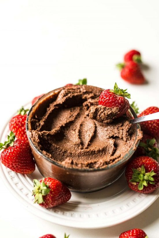 The Best of Beans: Chocolate Hummus from Running on Real Food | The Health Sessions