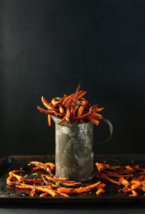 Healthy Burgers & Fries: Cajun Sweet Potato Fries from Minimalist Baker | The Health Sessions
