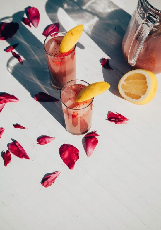 12 Refreshing Summer Drinks: Strawberry Rosewater Chia Fresca by The First Mess | The Health Sessions