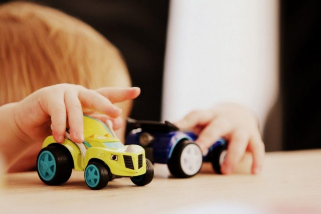30 Ways to Entertain an Active Toddler When You're (Chronically) Ill | The Health Sessions