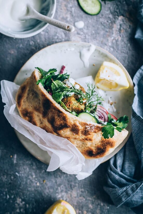 Healthier Fast Food: Falafel Sandwich with Yogurt Tahini Sauce by The Awesome Green | The Health Sessions
