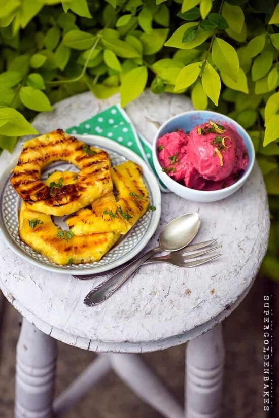 Healthy Frozen Yogurt: Strawberry Frozen Yogurt with Grilled Pineapple from Super Golden Bakes | The Health Sessions