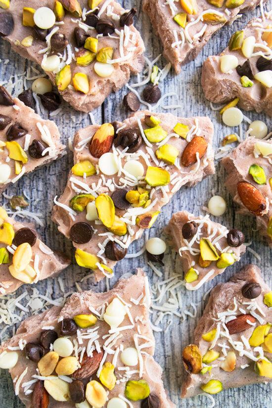 Healthy Frozen Yogurt: Frozen Yogurt Bark from CakeWhiz | The Health Sessions