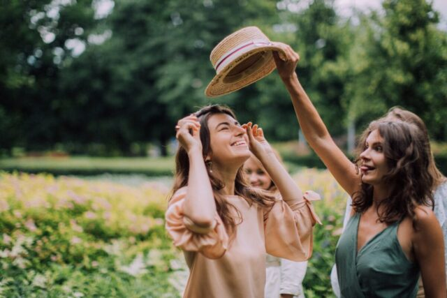 19 Fun Ideas to Bring More Laughter in Your Life, Even When You're In Pain | The Health Sessions