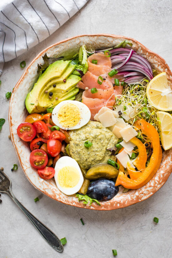 No-Cook Recipes: Salmon and Hummus Buddha Bowl from Nutritious Eats | The Health Sessions