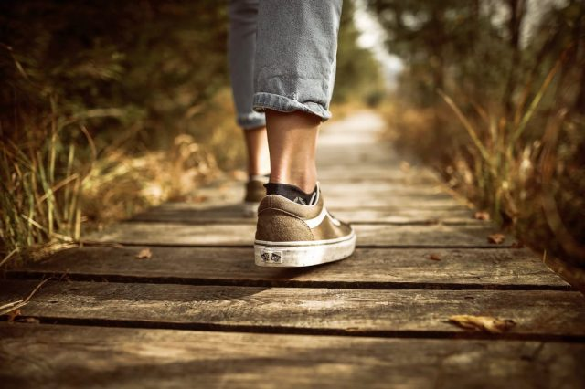 How to Work Your Way Up to Walking 10,000 Steps A Day | The Health Sessions