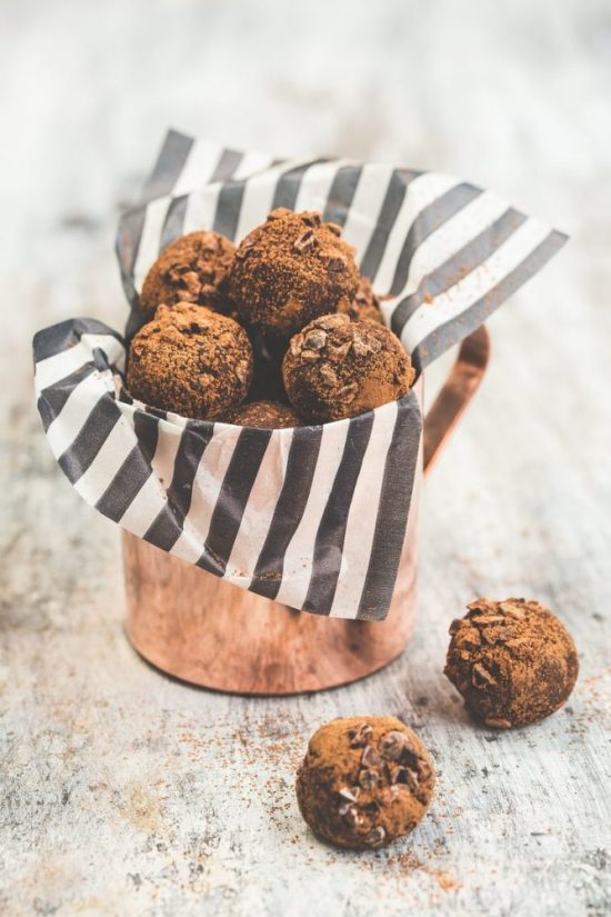 Popular Superfoods: Raw Cacao Truffles from The Kitchen Alchemist | The Health Sessions
