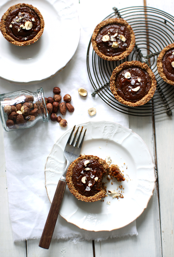 12 Better-For-You Christmas Treats: Spiced and Salted Pumpkin Pie Minis from My New Roots | The Health Sessions