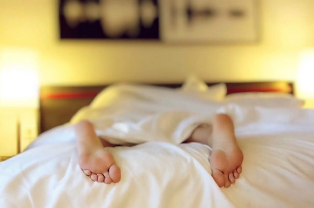 How to Sleep Well with a Chronic Illness | The Health Sessions