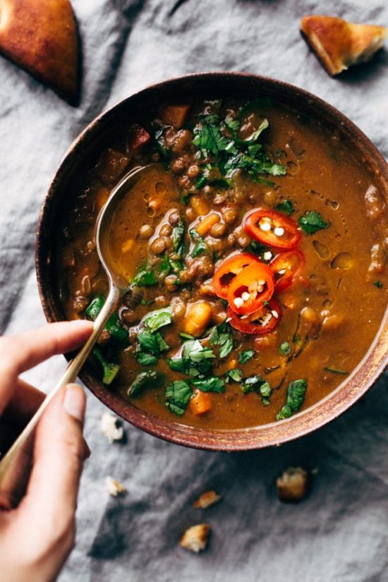 Healthy Slow Cooker Recipes: Winter Detox Moroccan Sweet Potato Lentil Soup from Little Spice Jar | The Health Sessions
