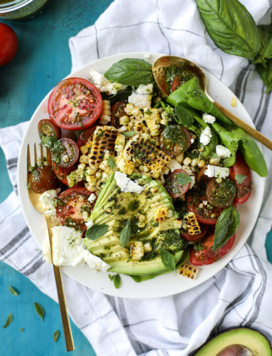 Summer Salads: Grilled Corn, Tomato and Avocado Salad with Chimichurri from How Sweet Eats | The Health Sessions
