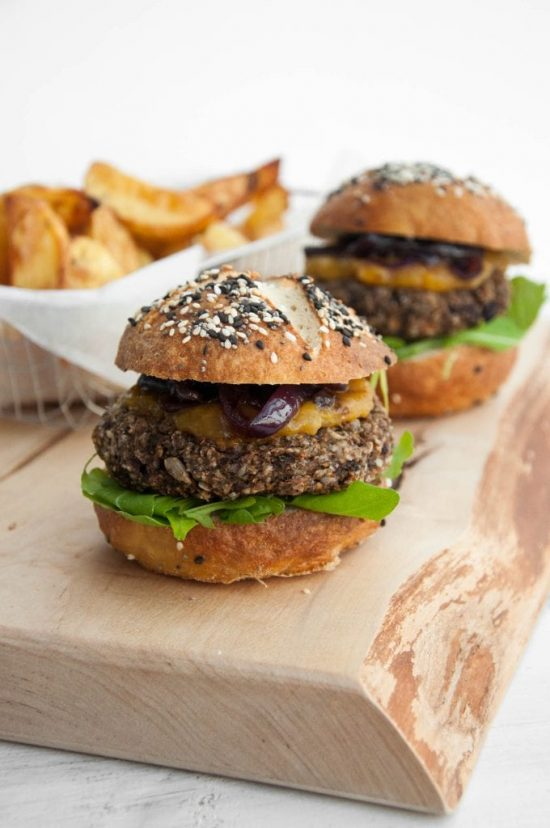 Medicinal Mushroom Recipes: The Best Vegan Mushroom Burger from Elephantastic Vegan | The Health Sessions
