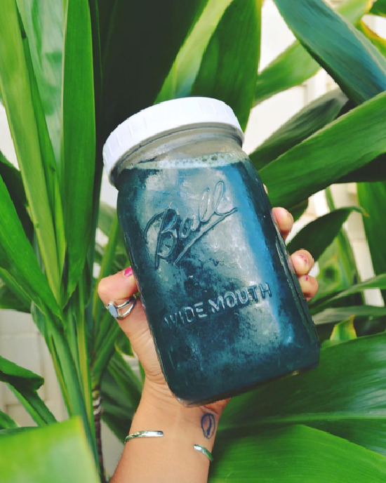 Tonics & Elixirs: Spirulina 'Tea', Your Alkalizing Elixir from Salt, Sand and Smoothies | The Health Sessions