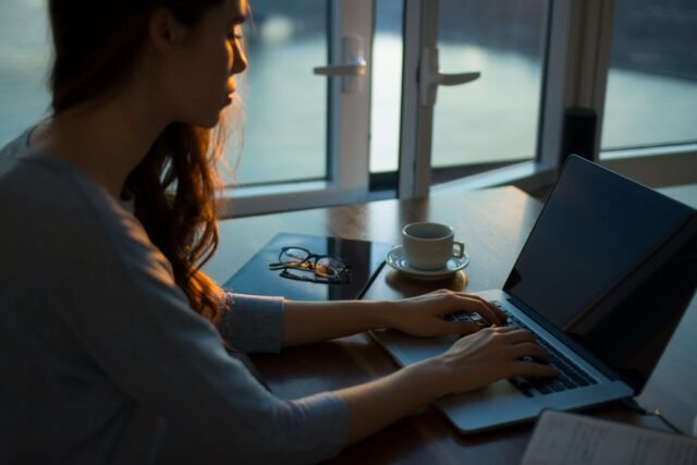 3 Tips to Fix the Unbalance of Working from Home | The Health Sessions